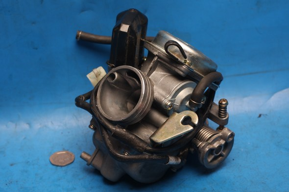 Carburettor complete with auto choke 24mm inlet Used