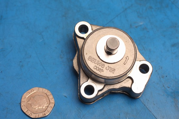 Oil pump missing gear Hyosung GT125 models used