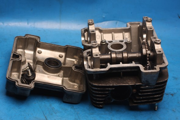 Cylinder head missing inlet cam Hyosung GT125 used