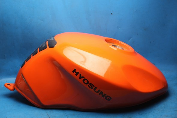 Hyosung GT125R GT125 Petrol / fuel tank used Orange