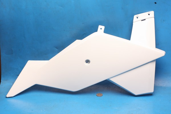 Petrol tank cowl lower right hand in white Generic Trigger50 all