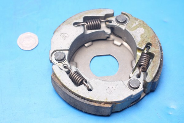 Driven pulley clutch shoes Generic Cracker50 24301G02F000