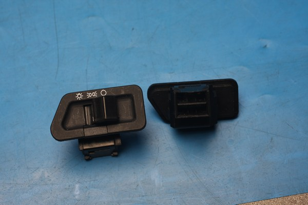 Indicator switch Daelim Cordi50 CitiAce110 History125 Otello125