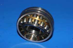 Eccentric shaft main bearing 22207CCK/C3W33