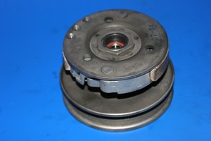 Rear pulley centrifugal clutch