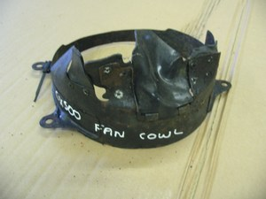 Radiator fan cowl